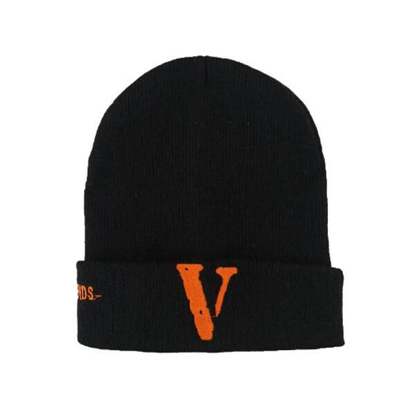 کلاه بافتنی طرح V
